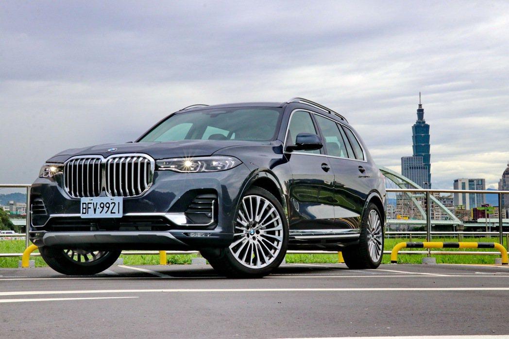 BMW品牌旗下首款正七人座SUV車款X7 xDrive40i。 記者陳威任/攝影