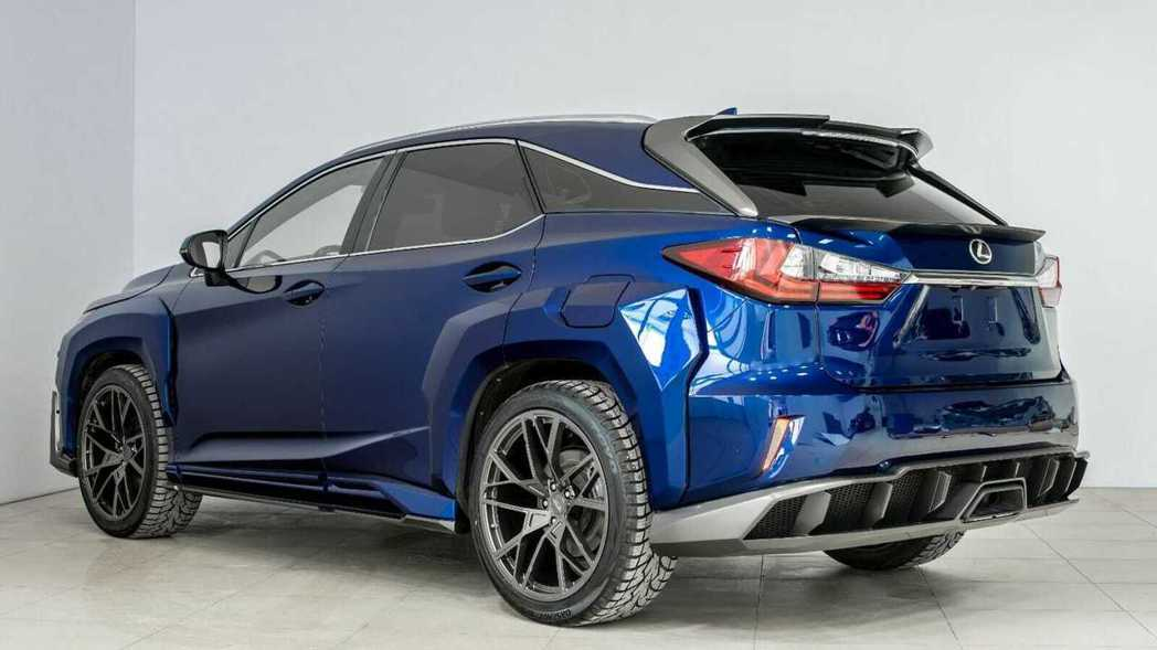 車尾則是以雙層尾翼及空力套件增加識別度。 圖/SCL Global提供