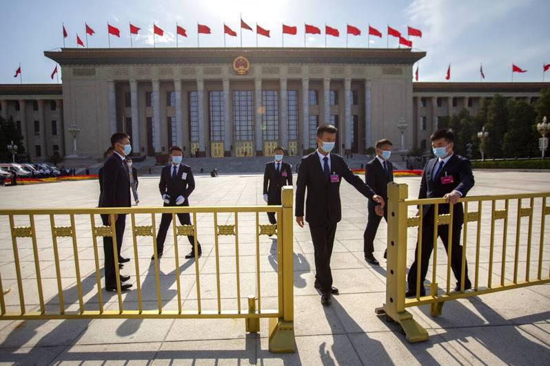 據港區人大代表透露,中共人大常委會最新議程已加入審議港版國安法。美聯社