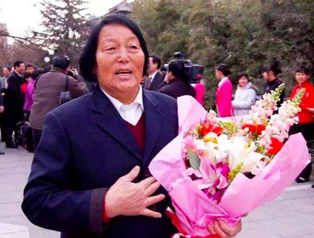 九十一歲的申紀蘭過世,她是唯一一位自第一屆一直做到十三屆的中共全國人大代表。(搜狐新聞網)