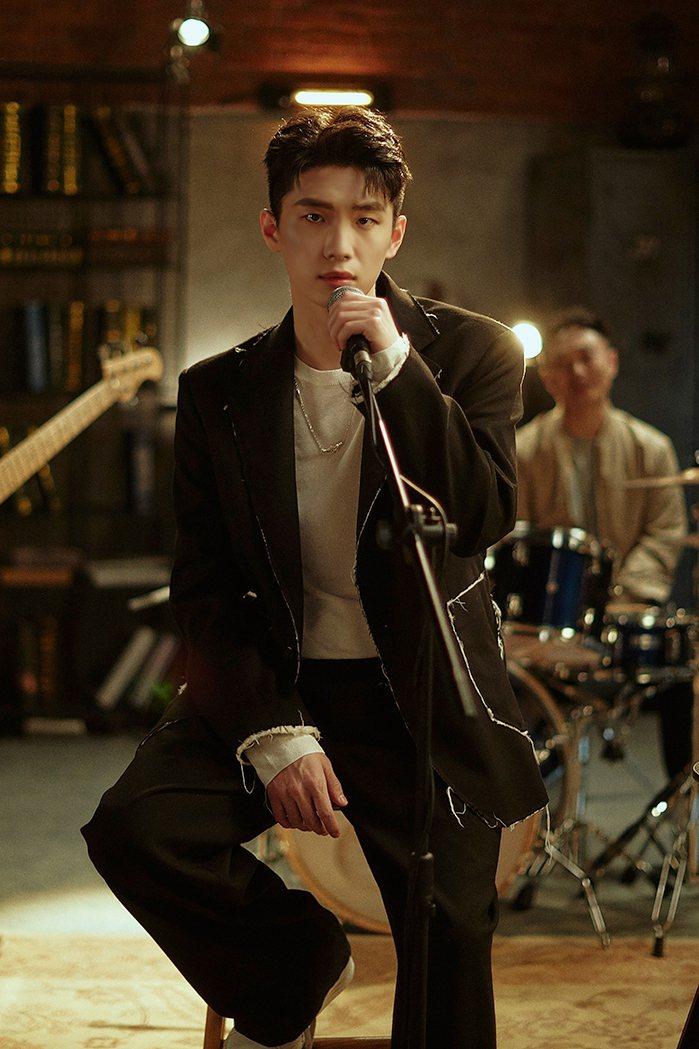 曹楊推出新歌「走散」。圖/杰威爾音樂提供