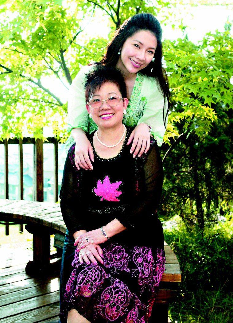 林書煒和媽媽母女情深。圖/本報資料照