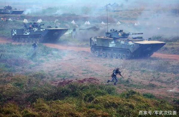 中共解放軍海軍陸戰隊的登陸演習。(百家號軍武次位面照片)