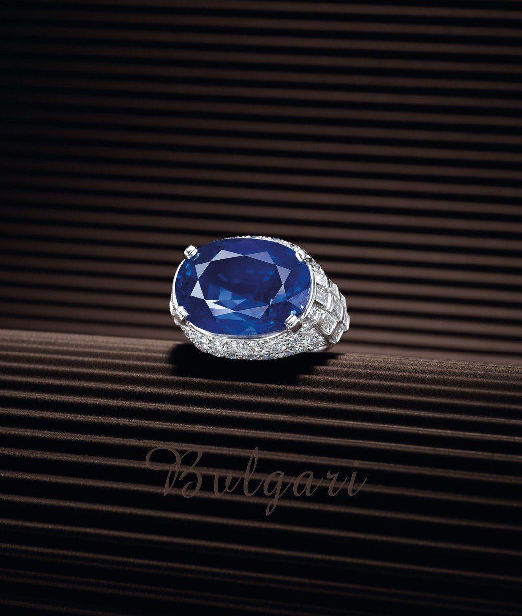 24.18克拉天然緬甸未經加熱藍寶石配鑽石戒指,寶格麗,售價待詢。