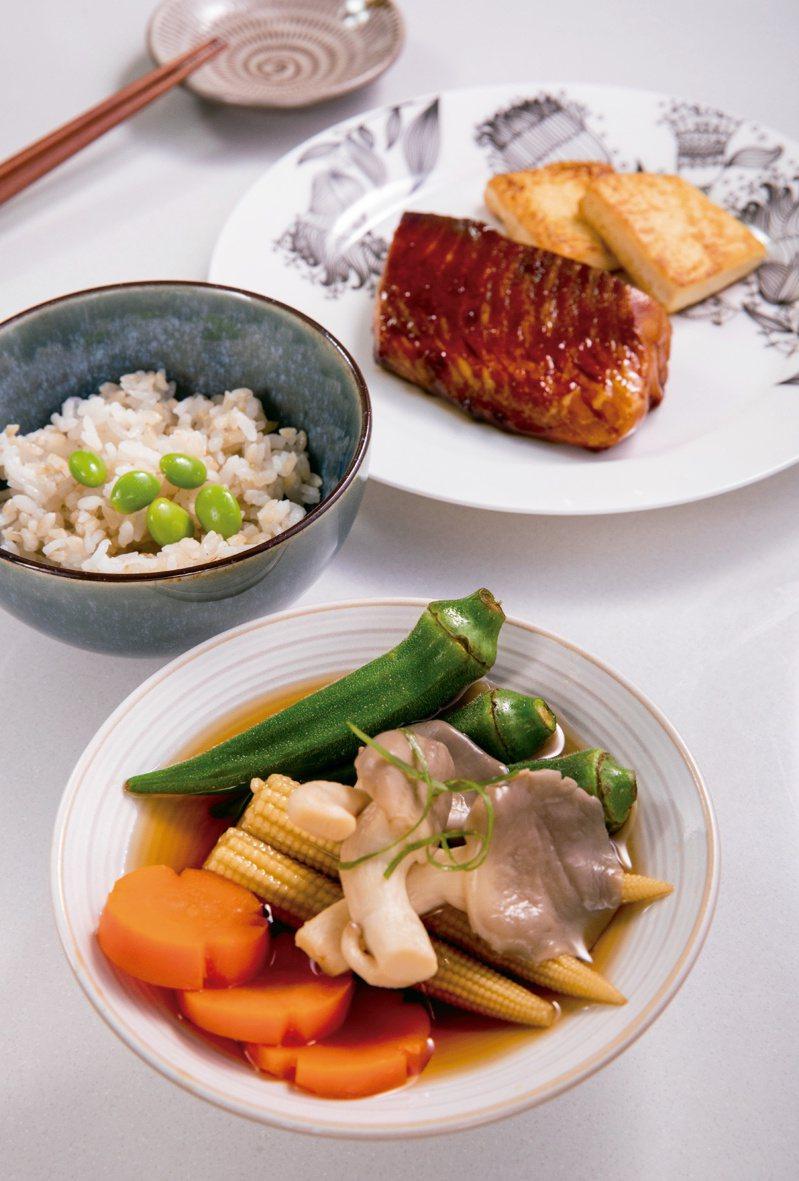 蒲燒鯛魚定食佐彩蔬佃煮、香煎雞蛋豆腐。圖/尖端出版社提供