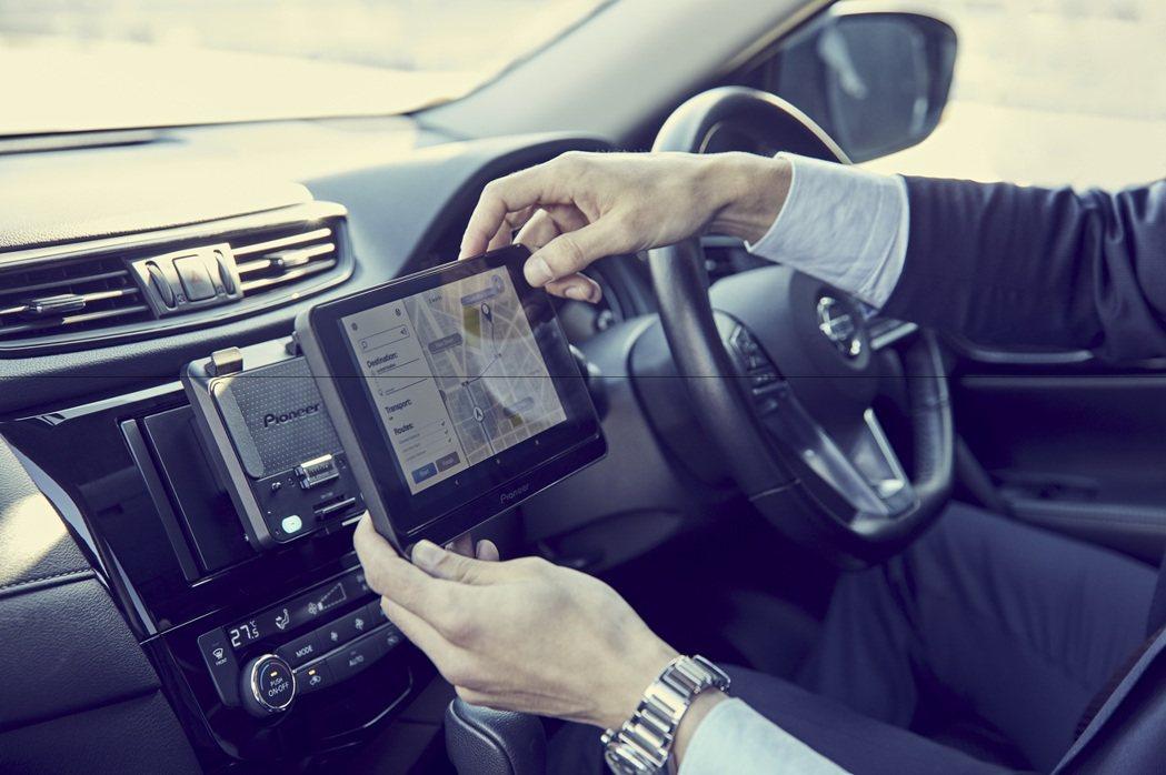 Pioneer 8吋螢幕平板電腦支援Google Play商城,導航、娛樂一機搞...