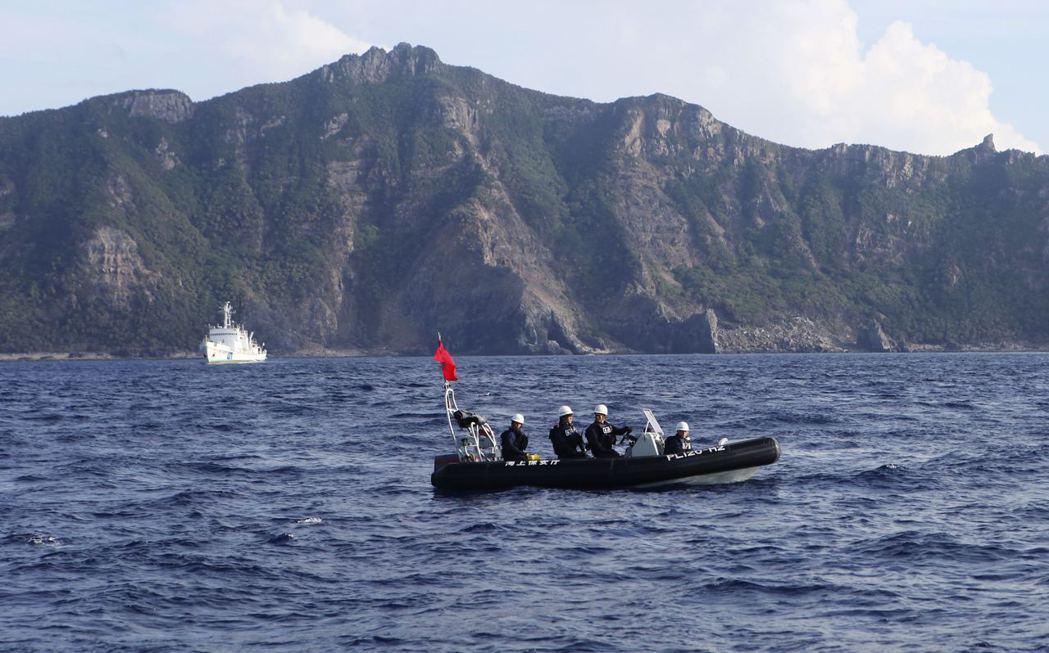日本沖繩縣石垣市議會在2020年6月提案,將變更釣魚台列嶼的名稱為「登野城尖閣」。 圖/路透社