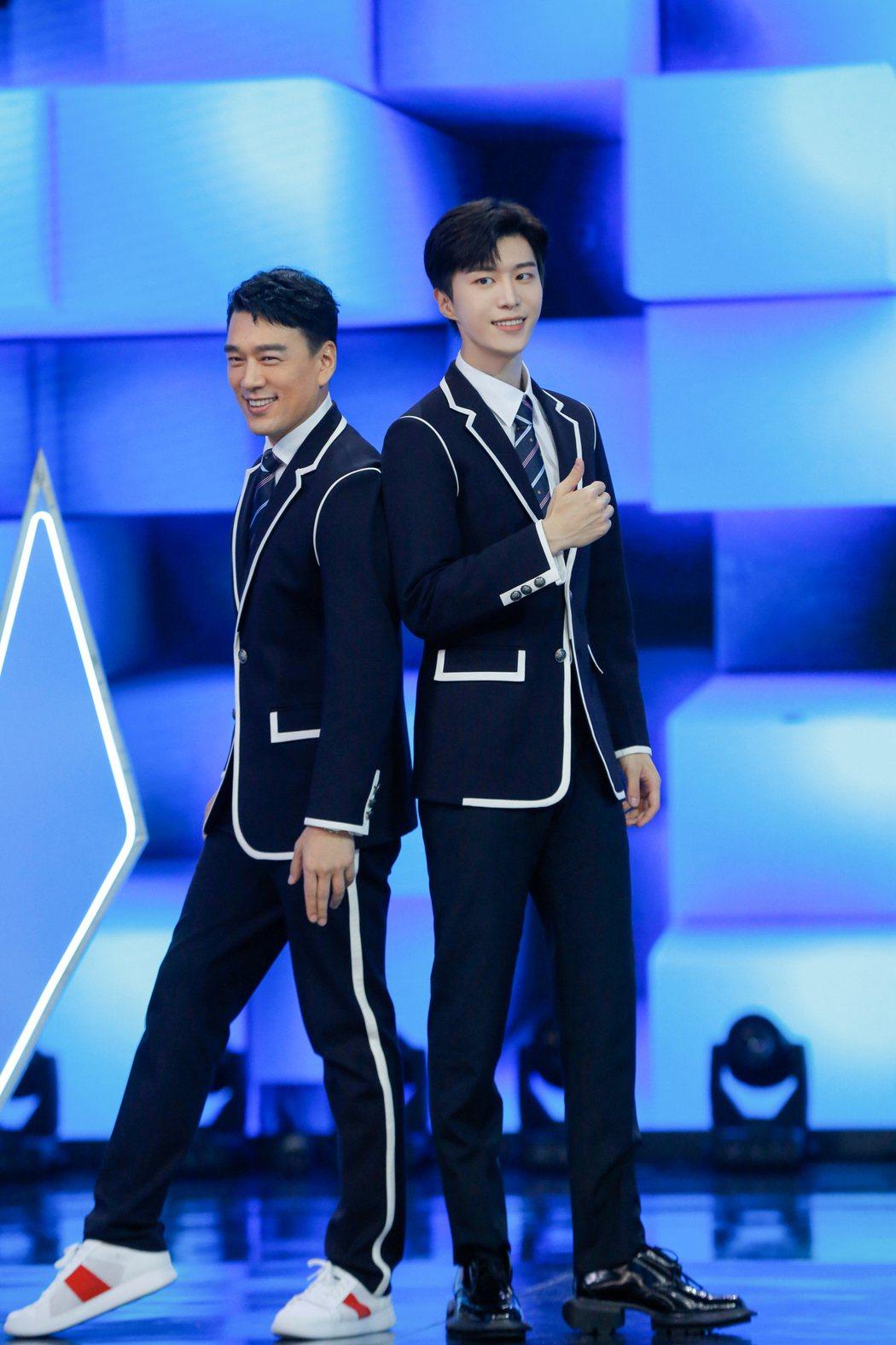 王耀慶成為「披荆斬棘的哥哥」。圖/擷自微博