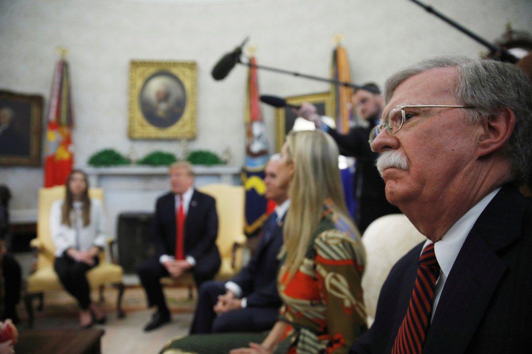 前任白宮國安顧問波頓被視為極端鷹派、主見強烈而且尚武。 圖/路透社