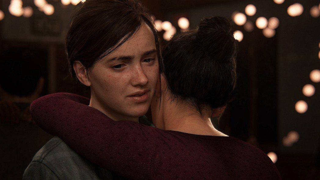 艾莉與狄娜的同性戀情,在早期揭露時也引起不小爭論。