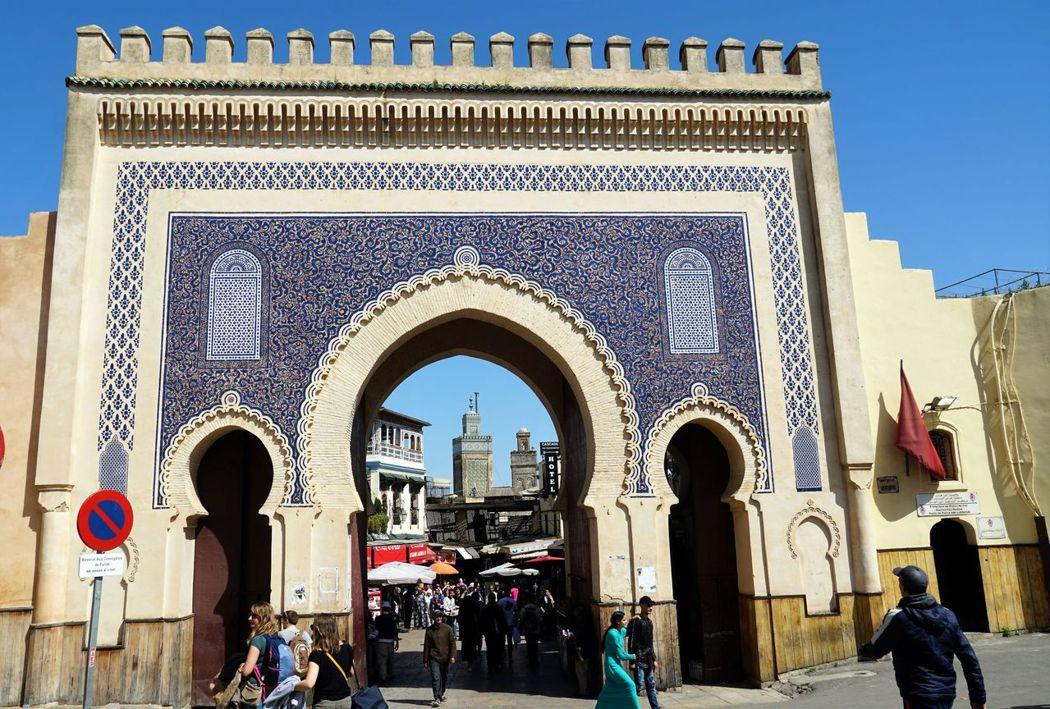 摩爾式風格的藍色城門