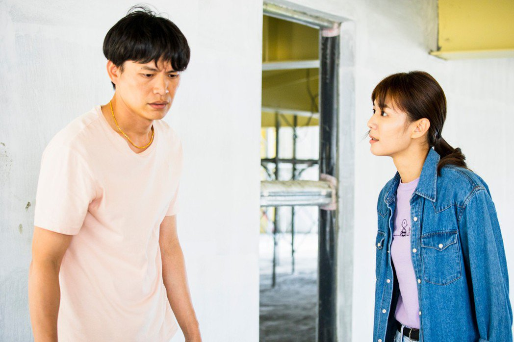 黃鐙輝(左)與李又汝主演「無主之子」。圖/民視提供
