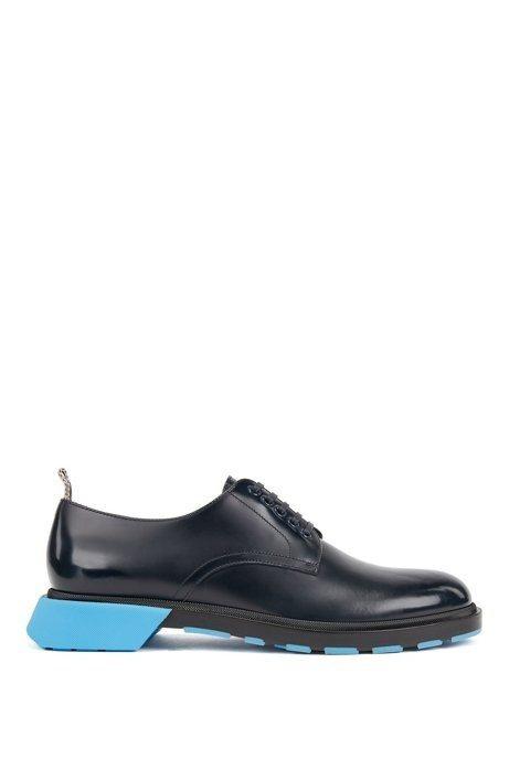 BOSS,天空藍鞋跟,繫帶皮鞋,21,900元。圖 / HUGO BOSS提供。
