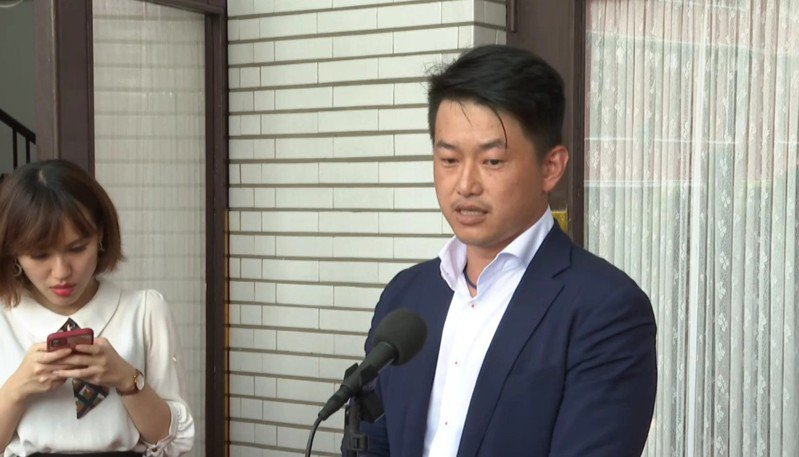 台灣基進立委陳柏惟今天受訪時說,他一直有在「觀戰」,但他覺得國民黨還是要盡量認真一點。記者徐宇威/攝影