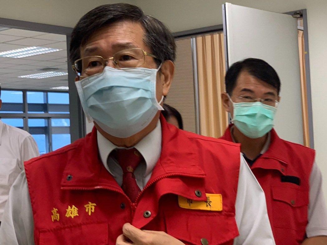 高雄市代理事長楊明州表示,日籍女大學生確診個案,防疫團隊啟動疫情調查、匡列87名...