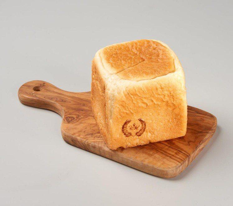 家樂福7月開賣「自製生吐司」售價75元。圖/家樂福提供