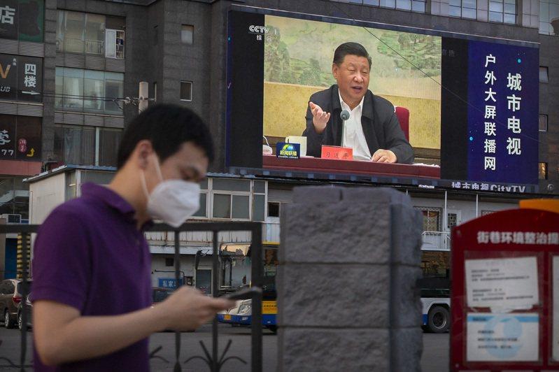 英國外交大臣拉布(Dominic Raab)今天說,針對中國祭出「港區國安法」,英國隨後將與「有志一同的夥伴」在聯合國人權理事會提出香港議題。 美聯社