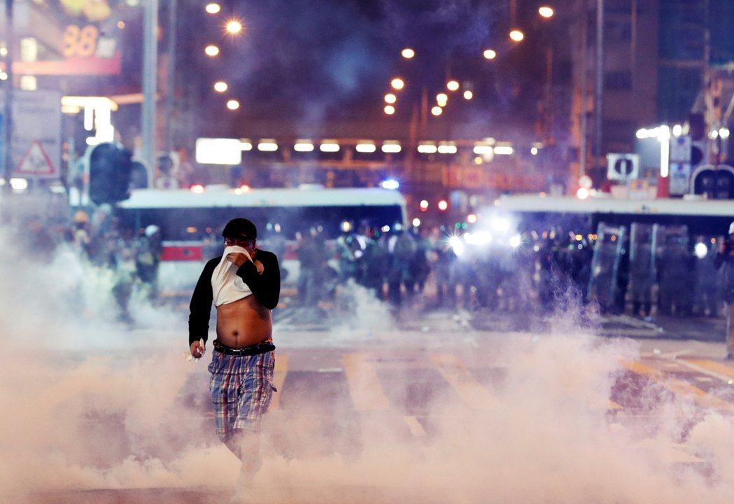 香港年輕人前仆後繼抵抗中國打壓,能否獲得國際社會同情? 圖/路透社