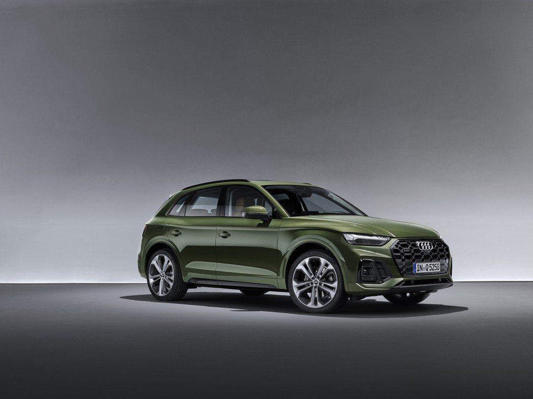 小改款Audi Q5也換上了品牌新車大量使用中的Singleframe八邊型蜂巢...
