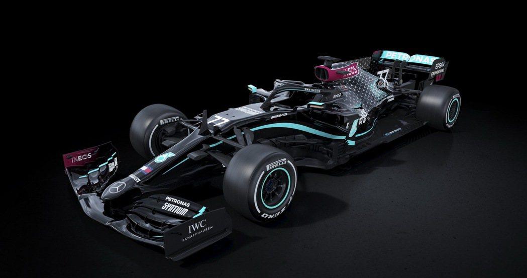 Mercedes-AMG F1 W11 EQ Performance賽車改用黑色...