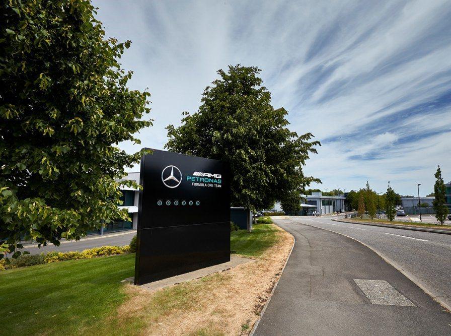 Mercedes-AMG F1車隊力挺種族平權。 摘自Mercedes-AMG ...