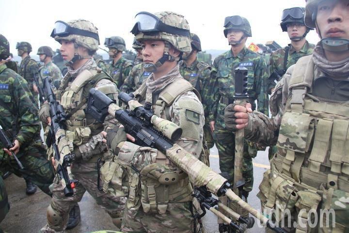 台灣到底應該實施徵兵制還是募兵制,一直以來都是許多人討論的問題。 圖/聯合報系資料照片