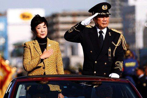 對於即將到來的2020東京都知事選,小池幾乎可說已是十拿九穩了。圖為2017年小...