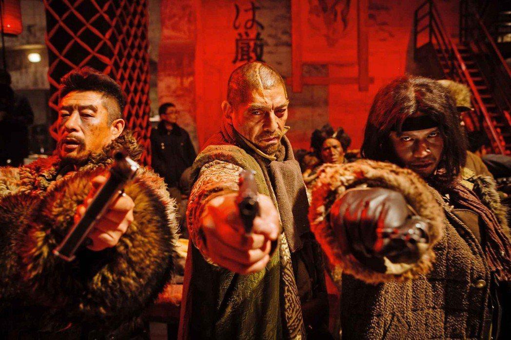 與香港無關其實也無所謂,但香港導演把紅色經典《智取威虎山》拍成3D也確實奇怪。 ...