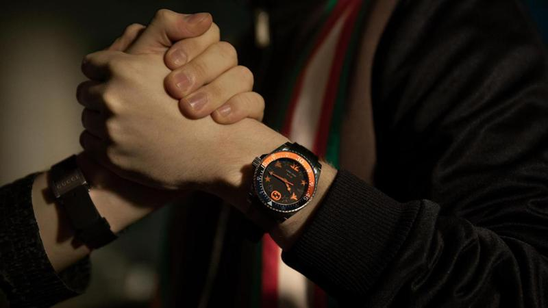 GUCCI與電競公司Fnatic推出聯名限量腕表,開賣48小時內斷貨,足見電競產業在數位新時代的精品商機。圖 / GUCCI提供。