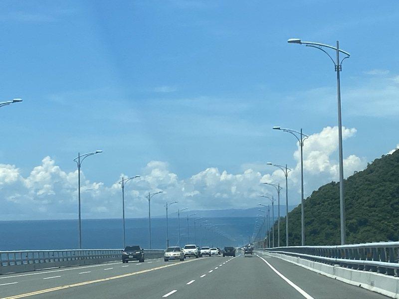 端午4天連假結束,台東縣湧入3.7萬車次,縣境交通卻相當順暢,沒有塞車或回堵情形。本報資料照片