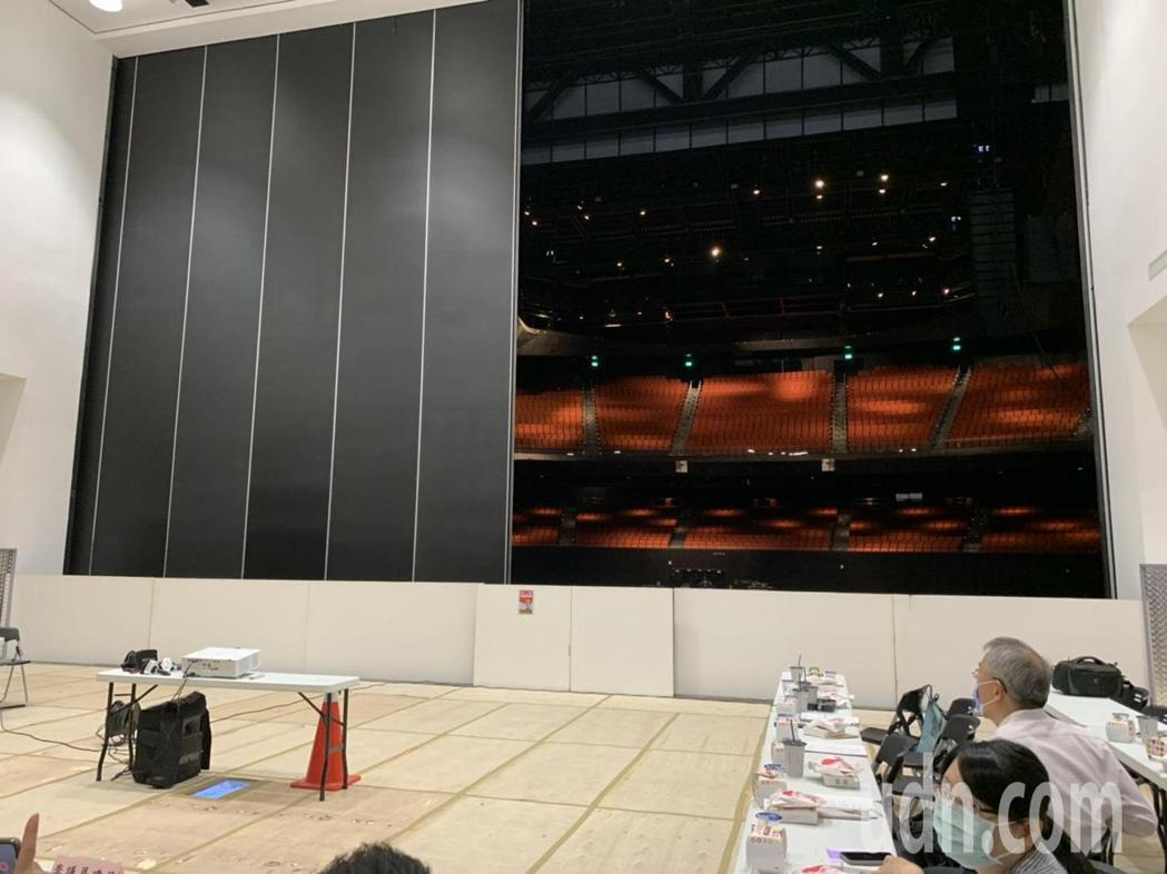 台北流行音樂中心北基地表演廳舞台隔音牆。記者趙宥寧/攝影