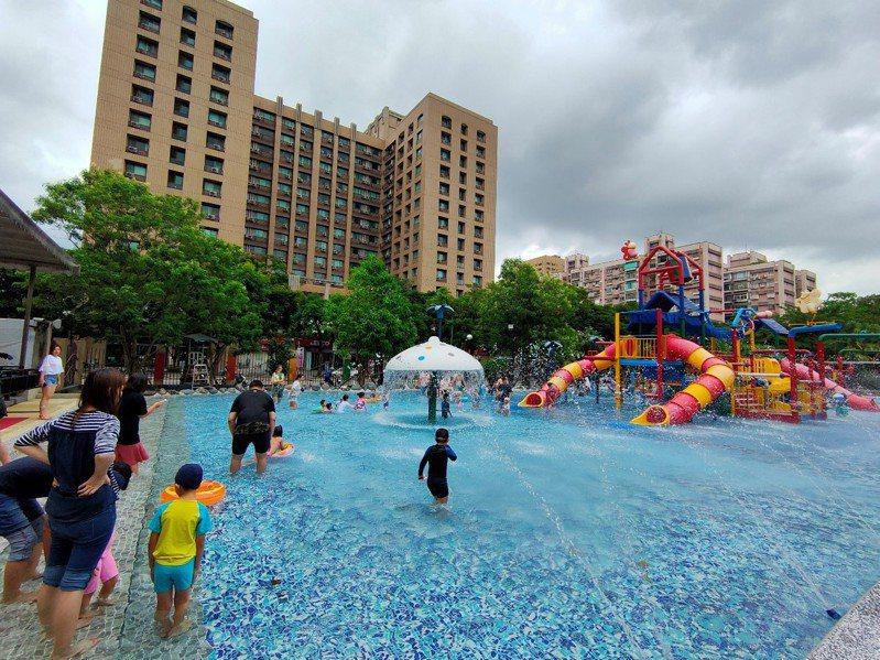 台北自來水園區7月門票原價80元,民眾上網購票可享優惠價50元,現省30元。圖/北水處提供