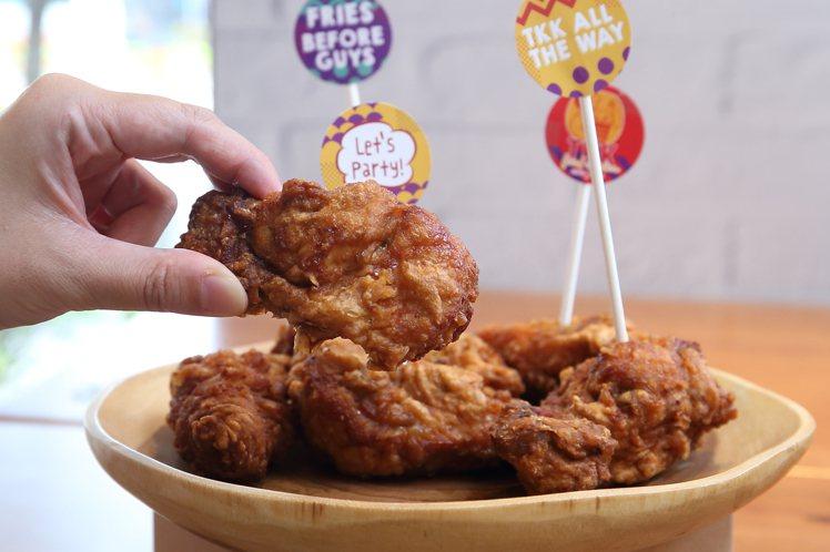 將於7月15日正式開賣的「經典辣味炸雞」。記者陳睿中/攝影