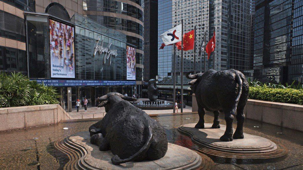 因應北京通過港版國安國法,美國政府宣布暫停香港的特殊待遇地位,但根據彭博資訊報導...