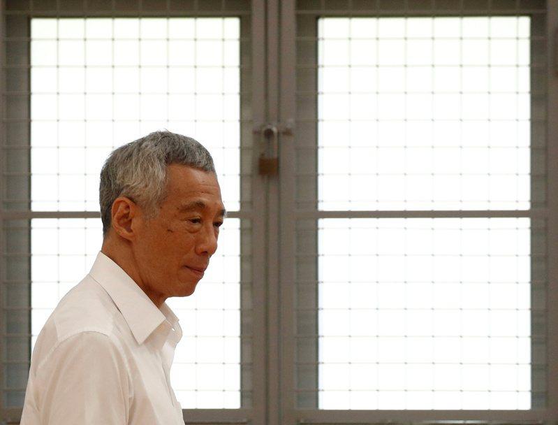 新加坡今天進行大選提名日,率宏茂橋集選區團隊參選的總理李顯龍今天指出,這是他第9次參選,也希望能交棒給接班人,而這未必是他最後一次參選。路透