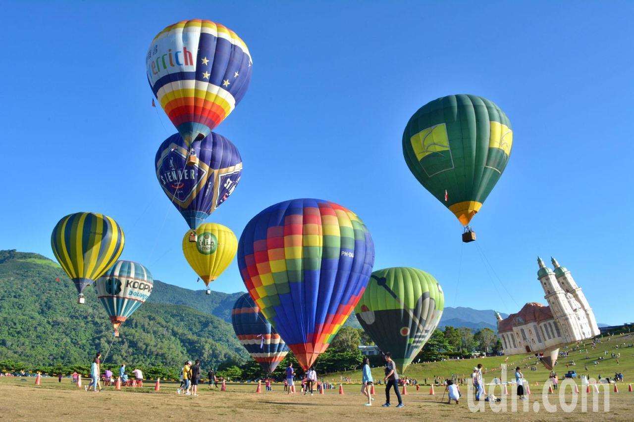 今年台東熱氣球活動 縣府公布共有28顆國外造型球造訪