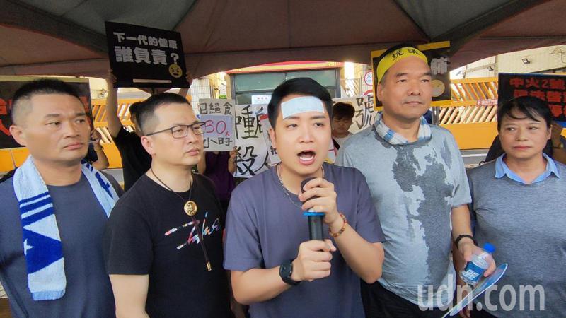 絕食中的台中市議員羅廷瑋說,他還想要再撐一下。記者黃寅/攝影