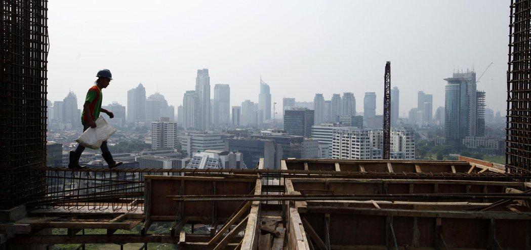 包括台廠等七家業者不久就會將生產地轉至印尼,總計將投資8.5億美元。路透