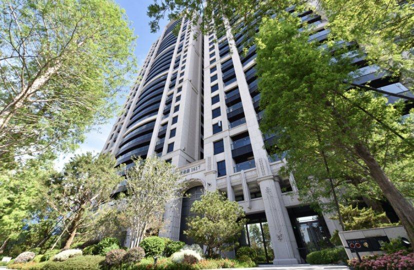 「雙橡園1617」是2012年央行施行豪宅貸款成數限制後,全台唯一在預售時期即完...