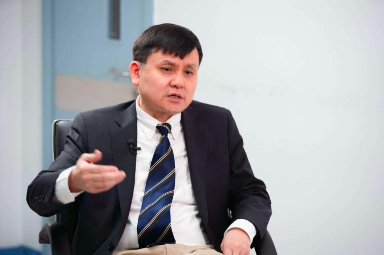 華山醫院感染科主任張文宏表示,中國不會有第二波,但是國際疫情的第二波有可能已經在展開。(新浪微博照片)