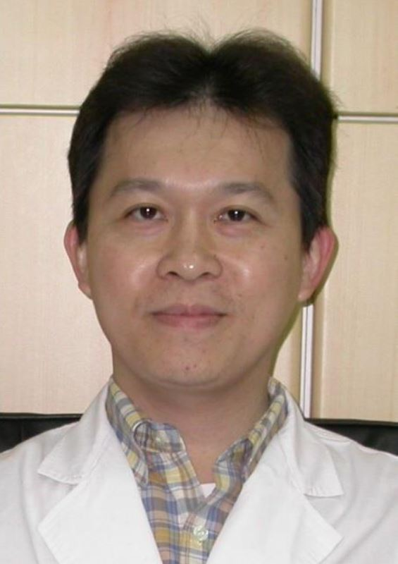 高雄市立小港醫院外科主任莊捷翰建議,癌友在換藥後,應該清楚記錄身體變化,包括,治...