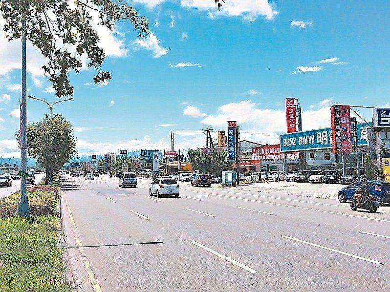 有30多年歷史的市承德汽車商圈,部分位於關渡平原上,北市府原擬拆除所有違建,引發地方強力反彈。 圖/聯合報系資料照片