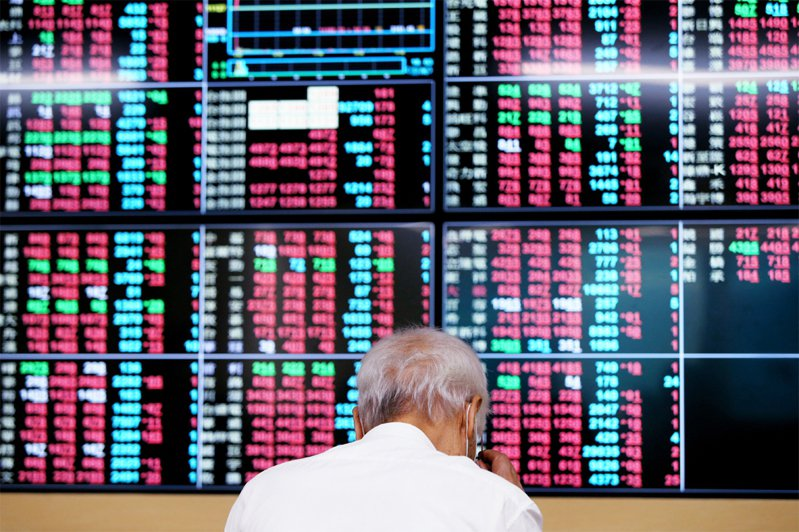 台股今開高走高,終場上漲82.18點,收在11,703.42點。 聯合報系資料照/記者曾原信攝影