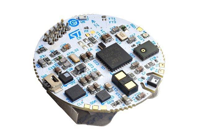 意法半導體參考設計為高功率密度、經濟的穿戴式裝置,提供社交距離監測、接觸溯源及遠...