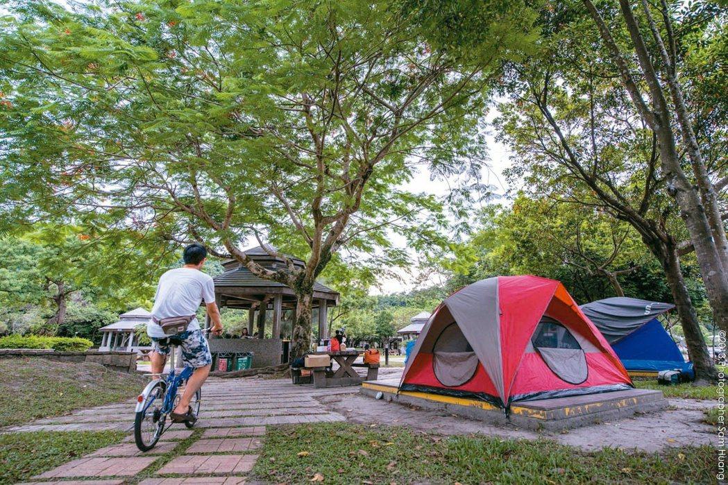 宜蘭縣武荖坑風景區重新整修,是露營的好場所。 圖/縣政府提供