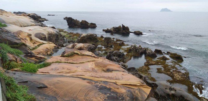 在北海岸野柳和龜吼間的維納斯海岸,曾被網友票選為台灣最美的海岸。 圖/邱瑞杰 攝...