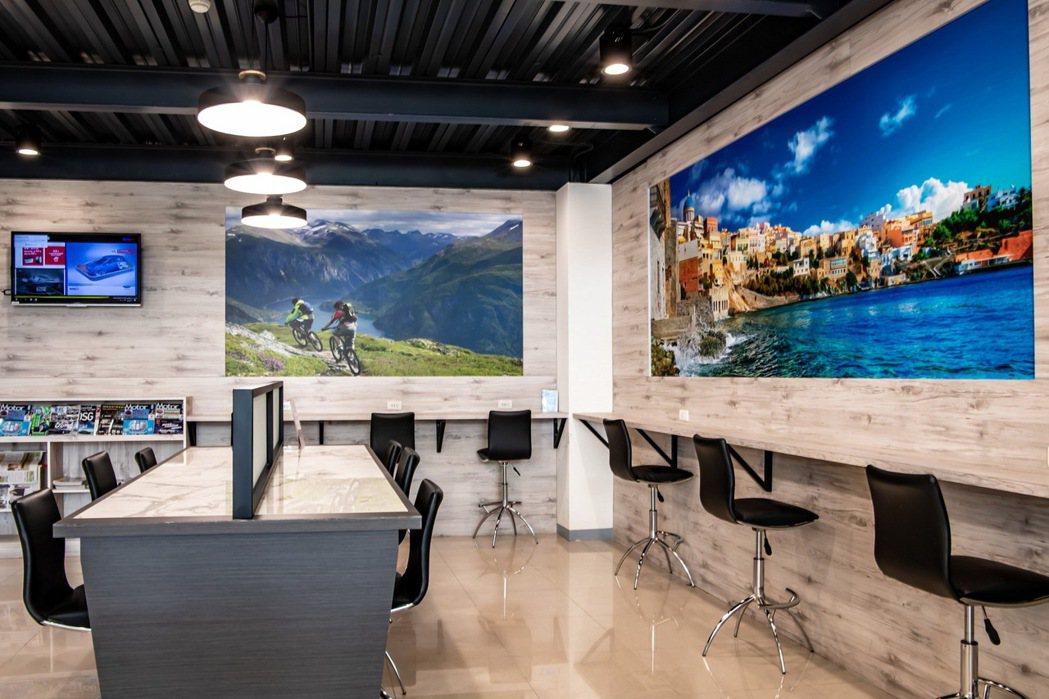 Ford瑞特汽車嘉義據點嶄新的客休區提供明亮的休憩空間。 圖/福特六和提供