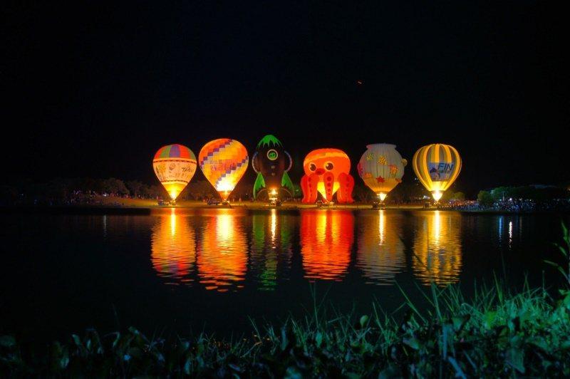 「大坡池」則是池上最具代表性的觀光勝地之一,近年來的熱氣球光雕音樂會,也移師到這...