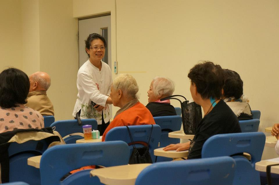 今年66歲的吳淑貞,20年前在朋友介紹下進入輔導領域,從零輔導背景,經過不斷進修...