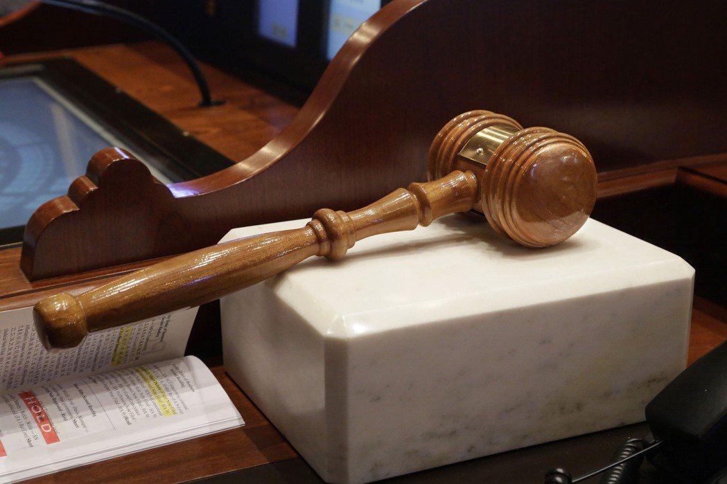 近日發生桃園地檢署針對桃園地院特定法官辦公室進行搜索的事件,「法官告法官」引發社會嘩然。示意圖。 圖/美聯社